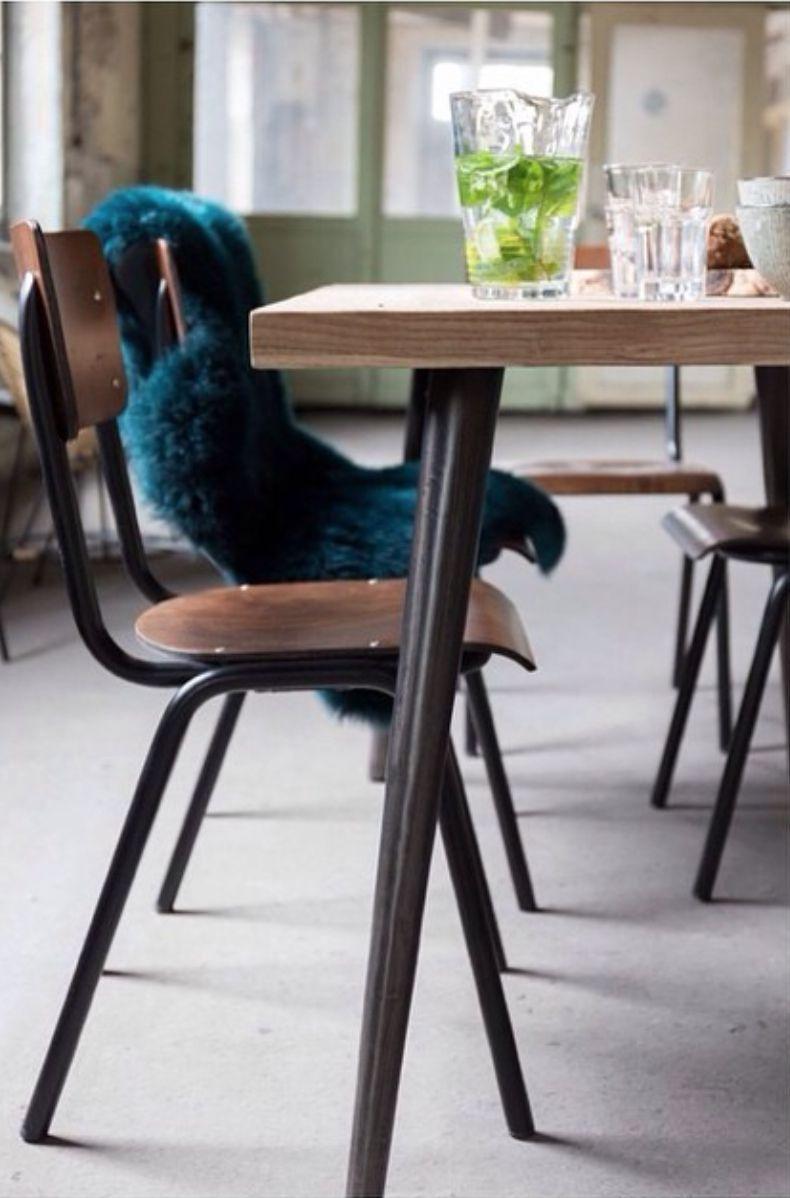 Stylowe krzesło w loftowym klimacie