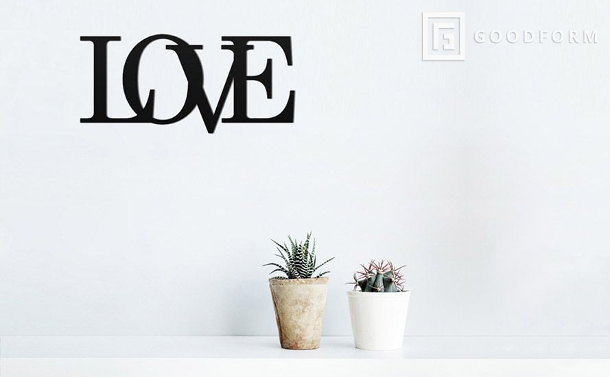 Love napis na ścianę